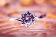 Descubra o significado das pedras preciosas em joias e amuletos