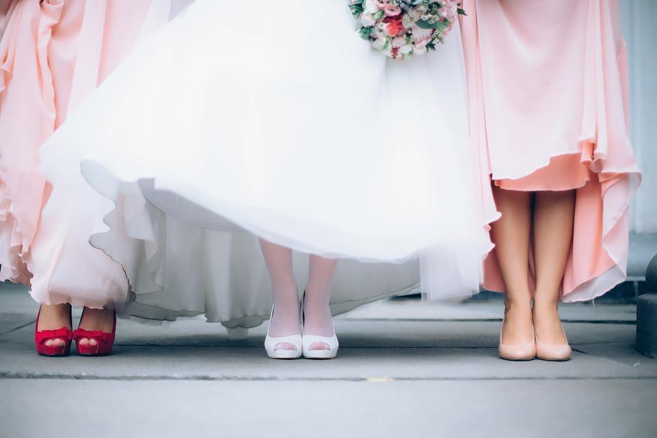 Pingente de ouro: opção de presente para madrinha de casamento