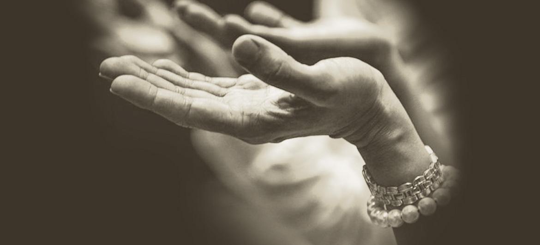 Qual é o significado das joias religiosas?